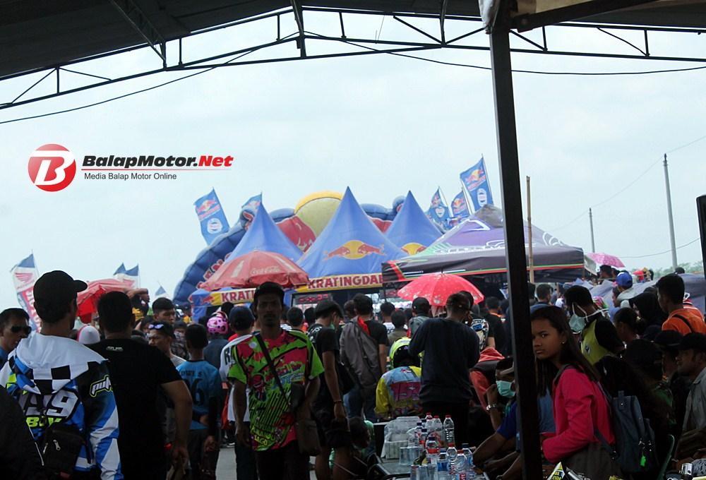 BSMC Drag Bike Cilacap: 350 Starter Hadir, Penonton Banjir