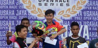 M Qosi Gemilang Pada Kelas Wajib Pemula Usaha Jaya Open Race Seri 4 Aceh