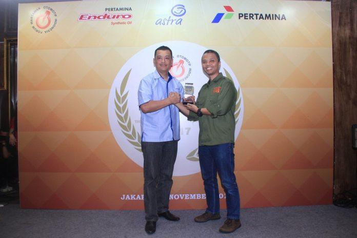 jelang-akhir-tahun-2017-suzuki-gsx-r150-sabet-penghargaan-di-ajang-forwot-motorcycle-year-fmy-2017