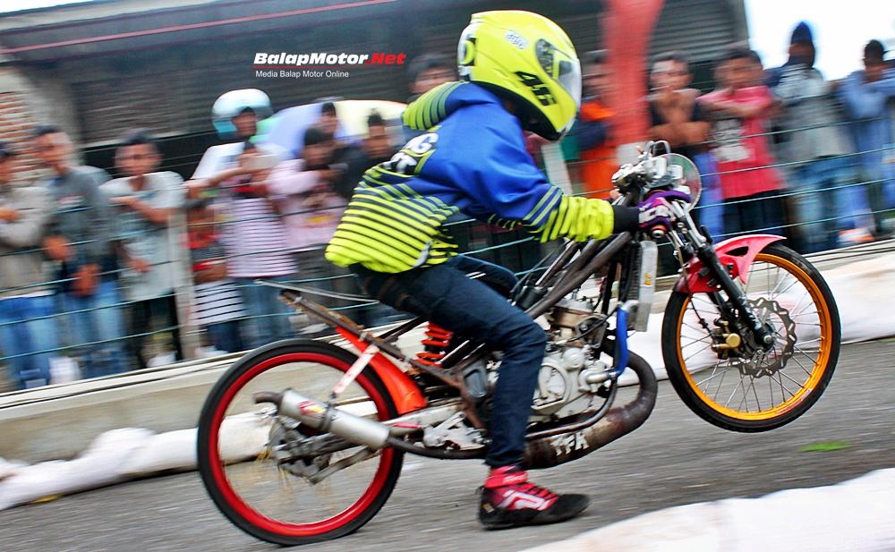BSMC Drag Bike Kebumen 2017: Dipacu Dwi AW, Ninja FFA ...