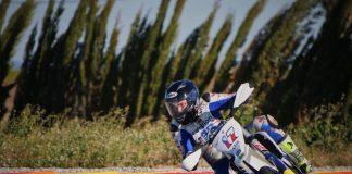 Helm NHK Akan Dipakai Pembalap Ganteng Karel Abraham di MotoGP 2018 ?