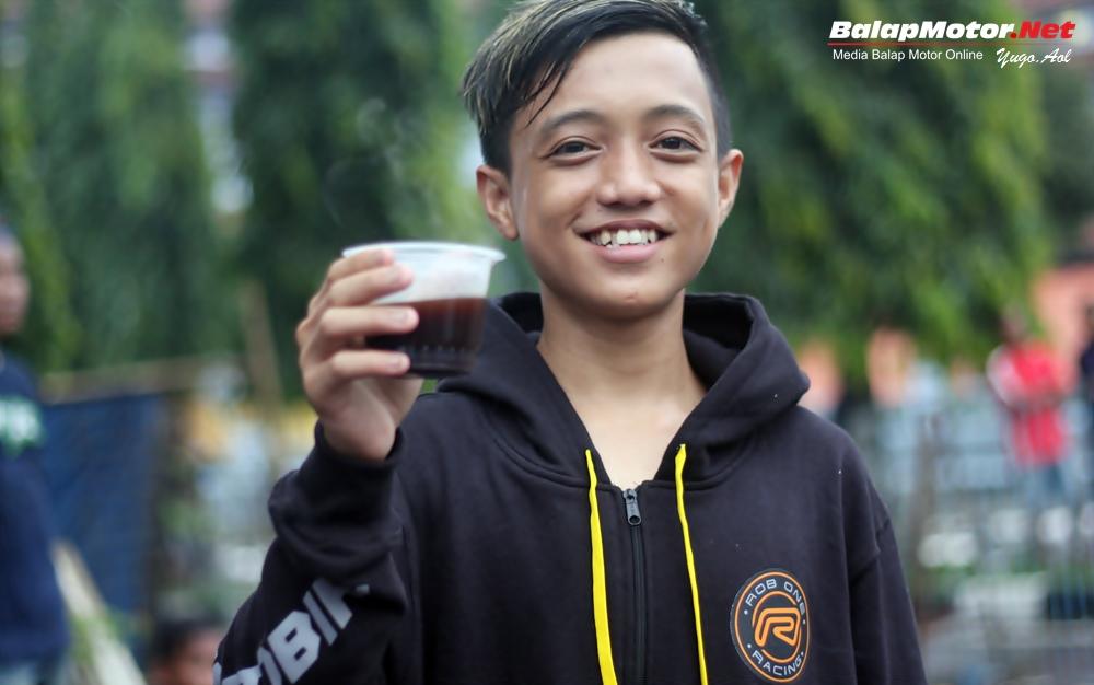 Alvan Cebonk Bawa Ninja STD Ditrajaya Tercepat di Kajen, Trek Basah 7,5 Detik