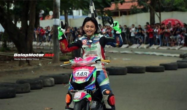 Tanpa Perlawanan, De Atun Juara Matic Wanita Trijaya-Sumber Productions Putaran 1
