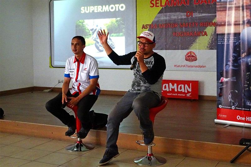 astra-motor-yogyakarta-gelar-supermoto-gathering-yogyakarta-perkenalkan-tren-edukasi-soal-supermoto