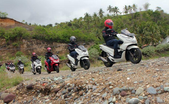 Honda PCX Sukses Jelajahi Flores Hingga Bali