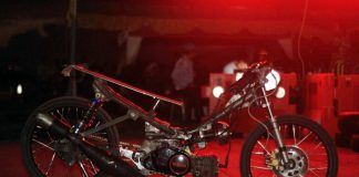 F1ZR Asli Papua Ini Kuasai Kelas Bebek Goreng Drag Bike Biak 2019